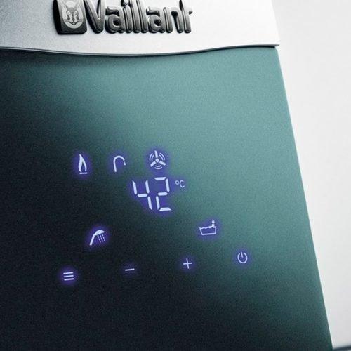 Calentador-Vaillant-estanco-bajo-NOx-Turbomag-plus-155-1-5-panel-de-mandos